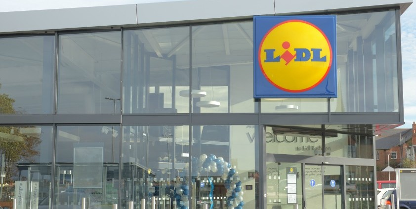 lidl uk Opening times lidl complete overview of all opening times, sunday shopping and late night shopping for all lidl establishments in the uk.