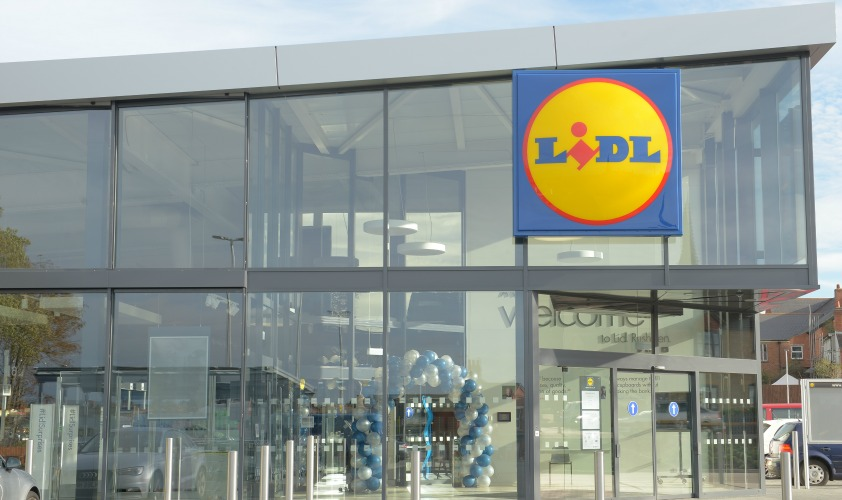 uk supermarkets A list of the 43 products recalled from uk supermarkets, which also include some from lidl, iceland and waitrose, has been posted on the food standards agency (fsa) website.